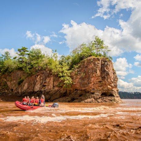 Tidal Bore Rafting Resort – River Rafting, Cottages
